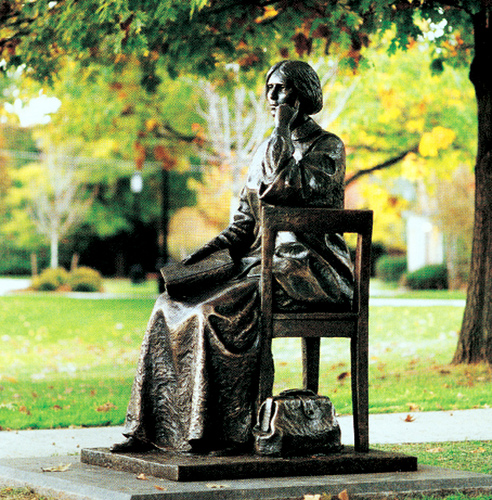 Bronze statue of Elizabeth Blackwell on the Hobart and William Smith College campus